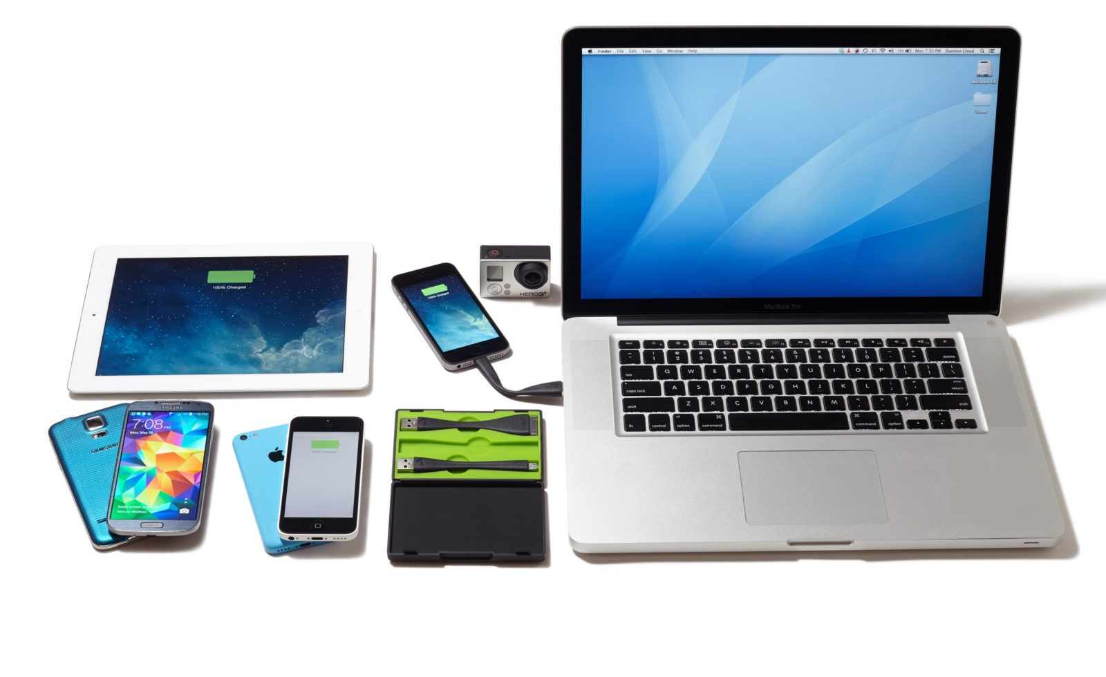 Product Photography for mophie Travel Kit and Memory Flex Cables